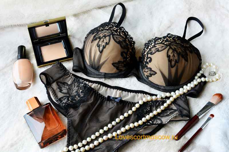 Moscow escort accessories, chic luxury
